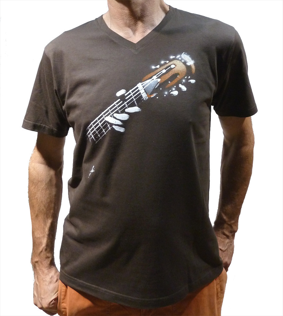 Acoustic Guitar Tee-Shirt V-neck